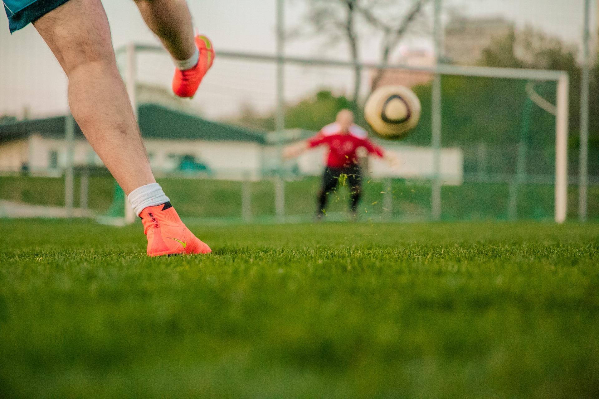 esquemas táticos futebol chute bola gol