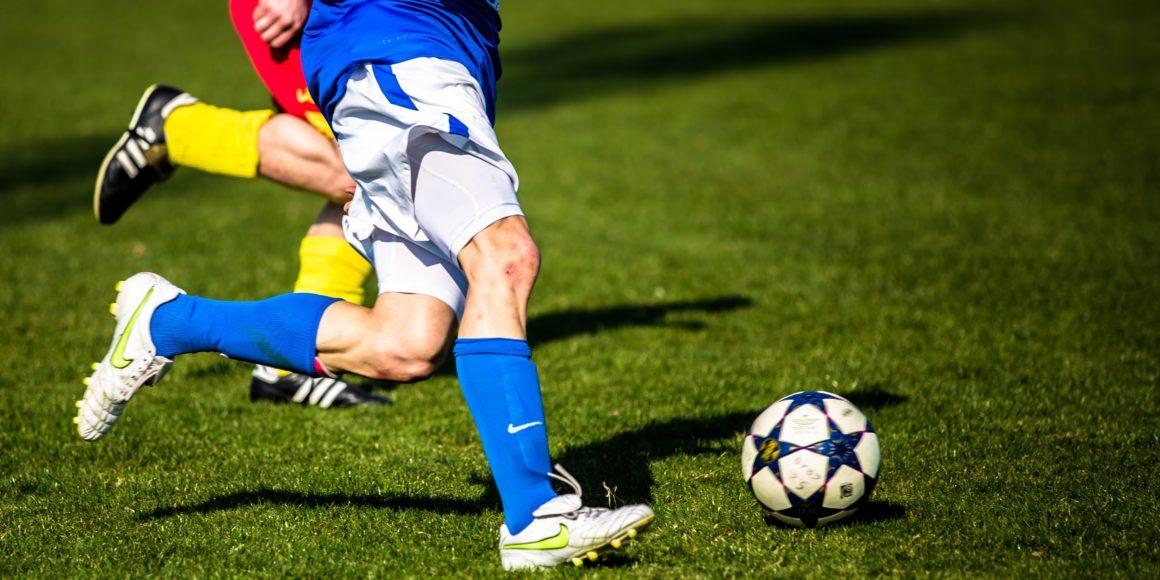 gestão de projetos e o futebol estrategia jogadores bola grama