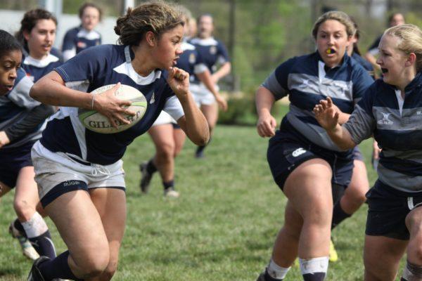 meninas-rugby-campo-bola