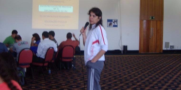 professora-jogos-escolares-educação