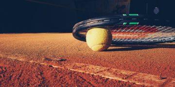 raquete-tênis-quadra-bolinha-amarela