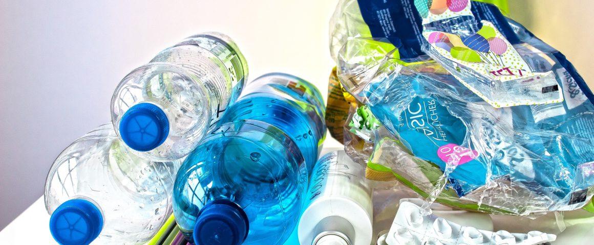 Saiba como construir brinquedos para a aula de Educação Física com produtos reciclados