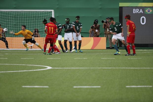 trabalhar-inclusao-educacao-fisica-escolar-esportes-futebol-5