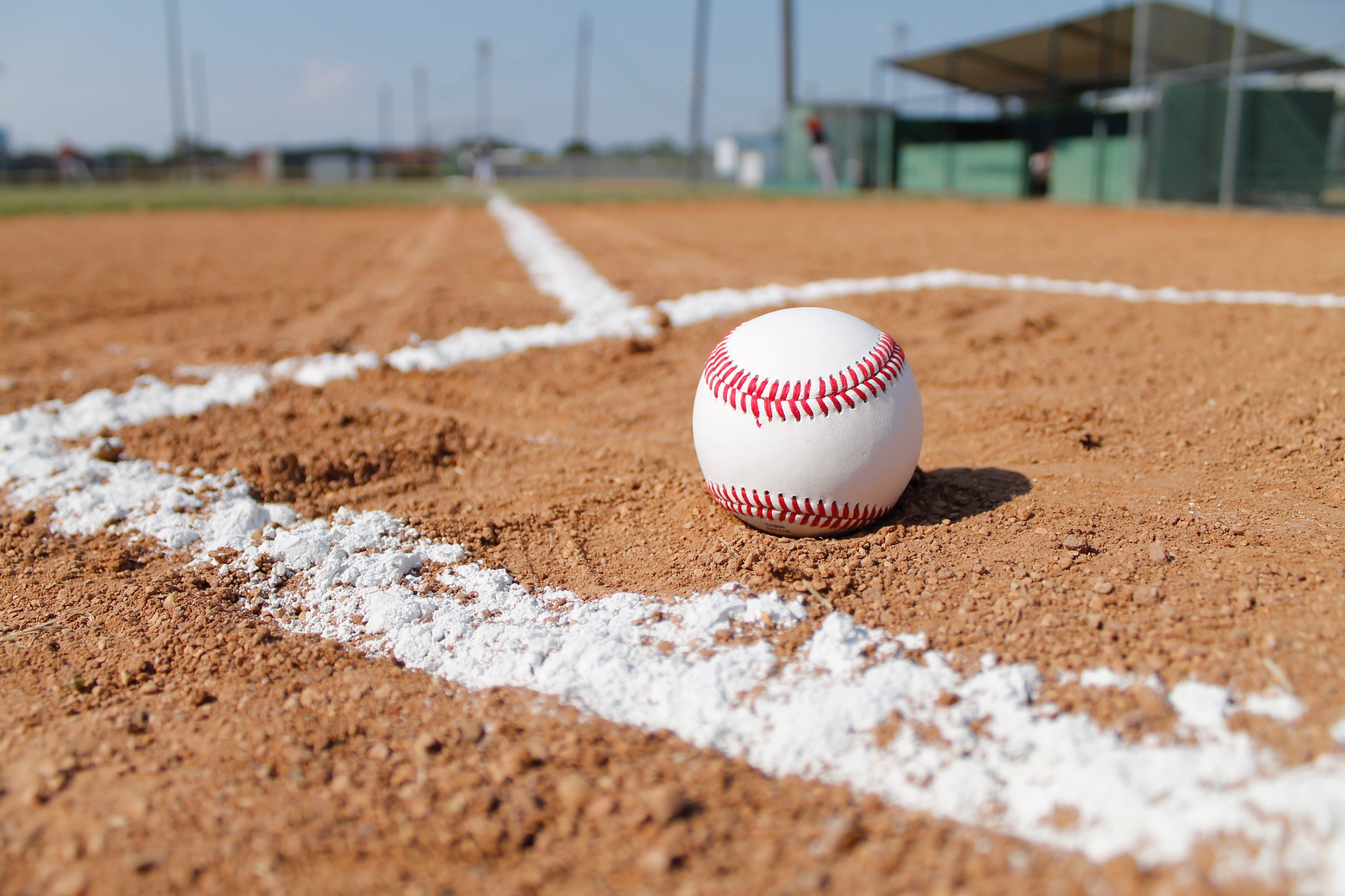beisebol-bola-campo