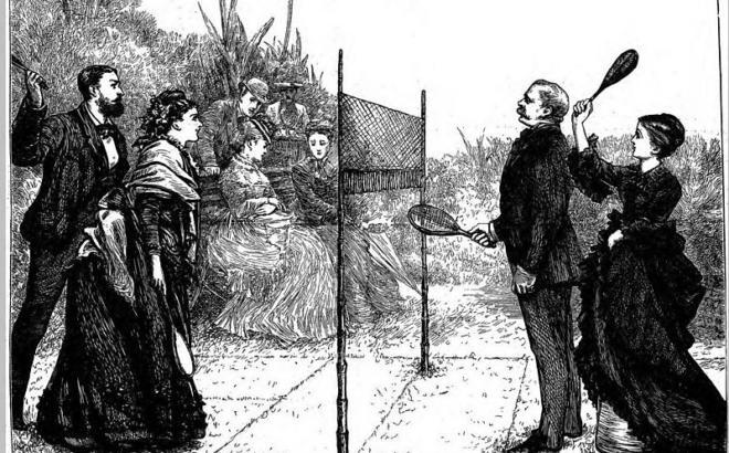 Desenho preto e branco onde dois casais com trajes de luxo jogam badminton no passado