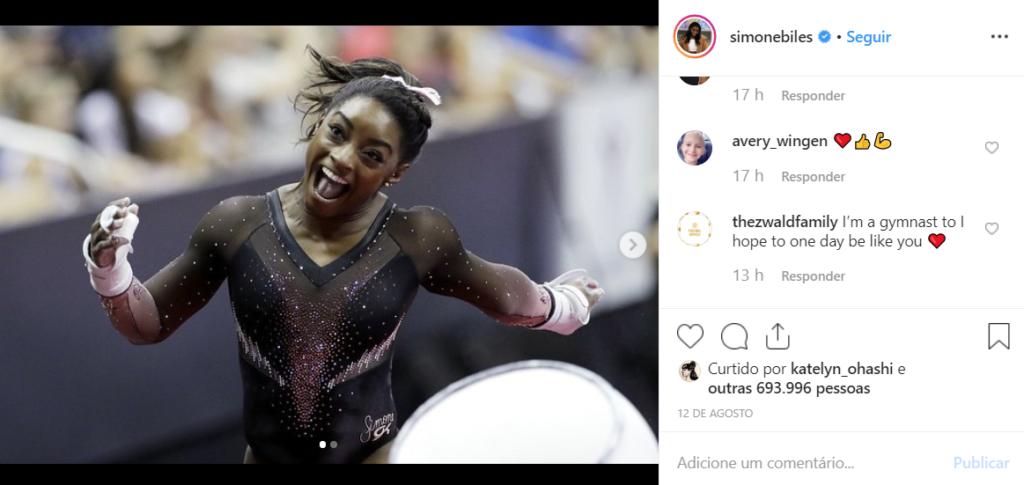 captura de tela do instagram da atleta americana simone biles comemorando uma vitória