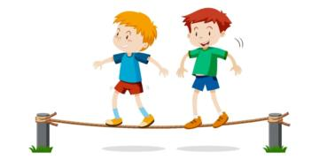 duas crianças caminham sobre uma corda