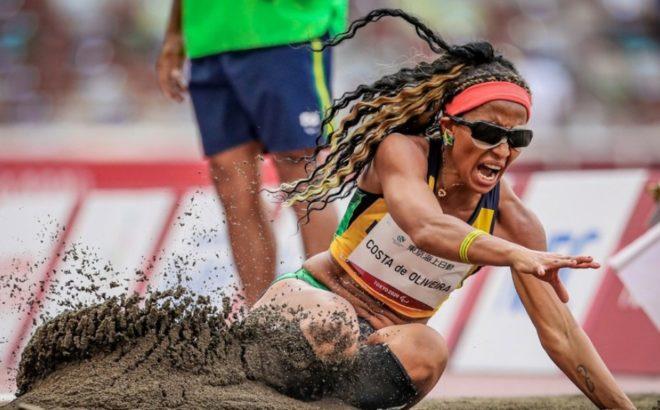 Silvânia Costa na prova de salto em distância nos Jogos Paralímpicos de Tóquio 2020